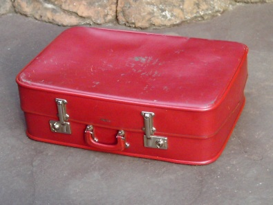Red Vintage Suitcase | | Collectors Items | 38430801 | Junk Mail ...