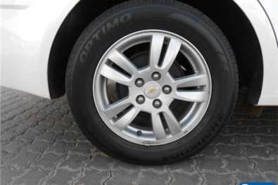 Chevrolet Sonic sedan 1.6 LS auto