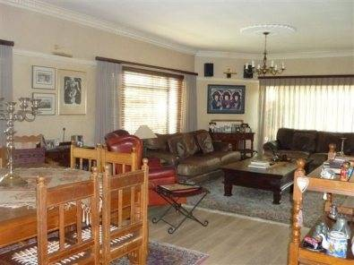 Plumstead 5 bedroom furnished home to rent