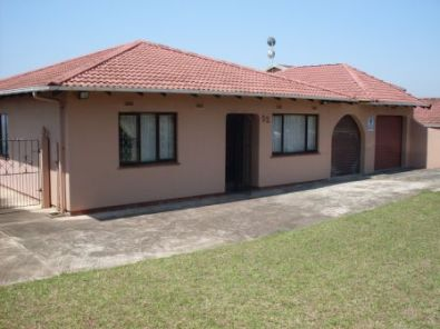 Very neat and well maintained 3 bedroom freestandi