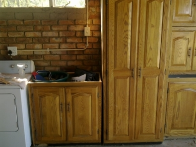 Solid oak kitchen cupboards pretoria woodworking for Kitchen cupboards gauteng