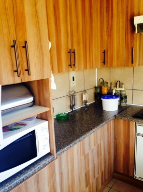 Magnificent kitchens boksburg building and renovation for Magnificent kitchens