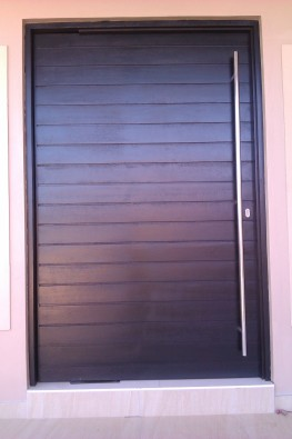 Wooden doors south africa pivot doors gauteng midrand for Wood doors south africa