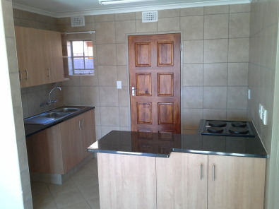 3 and 4 Bedroom houses for rent in Akasia