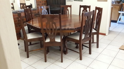 8 seater imbuia ball claw dining room suite roodepoort for Dining room suites for sale