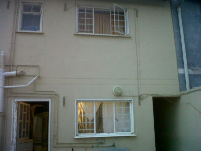Very neat 3 bed extended duplex with outbuilding