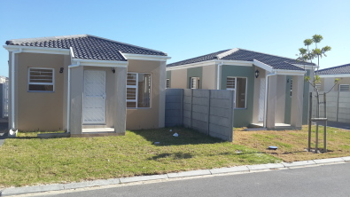 2 Bedroom Spacious New Houses in 24 Hour Securiyt