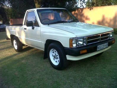 toyota hilux for sale 1994 model nissan 40873541 junk mail classifieds. Black Bedroom Furniture Sets. Home Design Ideas