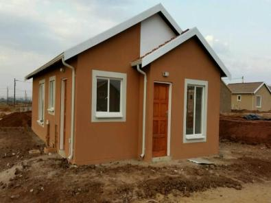 4 room house for sale in saulsville atteridgeville