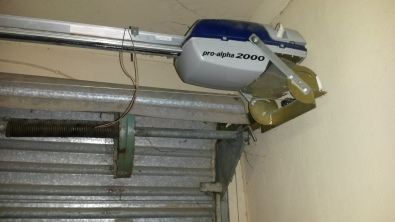 Roll up garage door motor pro alpha 2000 pretoria east for Roll up garage door motors