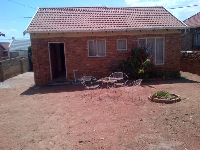 Very nice 2bed house for sale soshanguve m soshanguve for Very big houses for sale