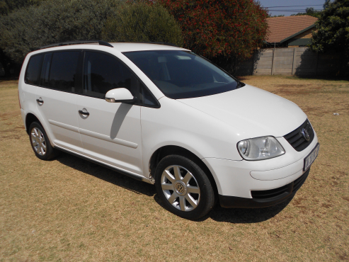 2005 volkswagen touran 1 9 tdi 3164 boksburg minibuses and mpvs 64302662 junk mail. Black Bedroom Furniture Sets. Home Design Ideas
