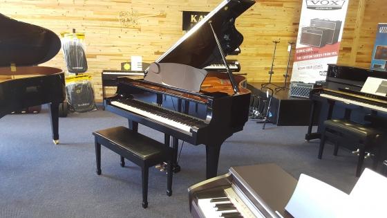 Piano yamaha c2 grand piano sandton musical for Yamaha grand piano sizes