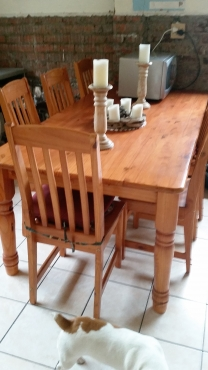 Beautiful solid pine kitchen table varnished incl 6 for Kitchen furniture johannesburg