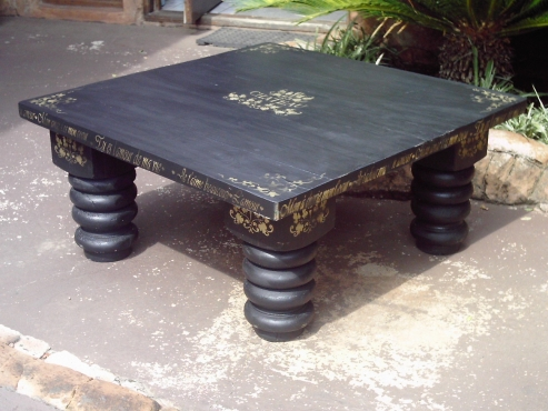Black And Gold Bulky Pine Coffee Table 1000x1000x450 Pretoria North Lounge Furniture