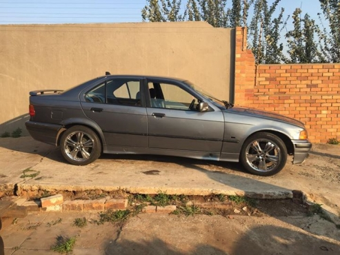 bmw e36 318i for sale bmw 64399006 junk mail classifieds. Black Bedroom Furniture Sets. Home Design Ideas