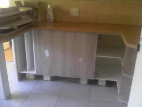 Cabinets randburg kitchen furniture 64447314 junk for Kitchen units gauteng