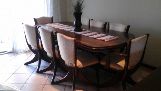 Dining room suite pretoria east diningroom furniture for Dining room tables jhb