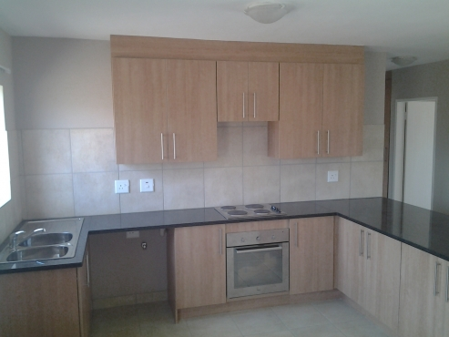 Stacked simplex to rent in moregloed n957 moot flats for Kitchen designs kzn