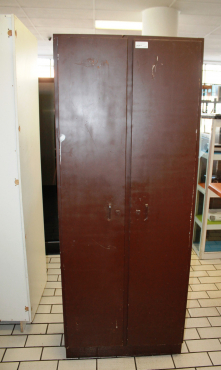 Steel kitchen cabinet s021792g rosettenvillepawnshop for Kitchen cupboards gauteng