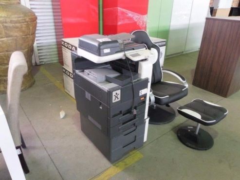 Various Home Appliances On Auction Aucor Auctioneers 26 November Fridges And Freezers