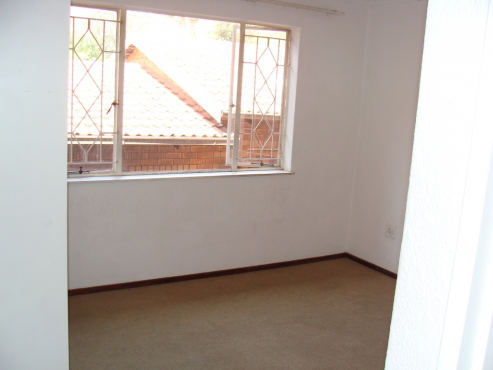 Very spacious 2 bed 2 bath flat to rent in ferndale randburg randburg flats to rent for 1 bedroom flat to rent in bath