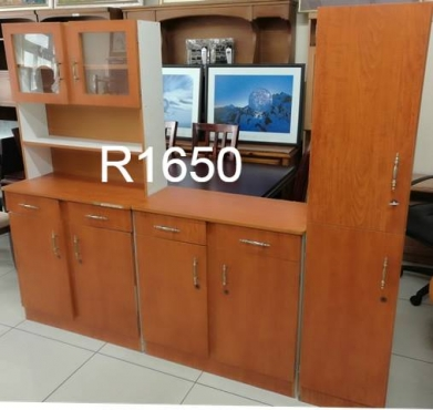 Kitchen cupboard set kitchen furniture 64578342 for Kitchen tables cape town