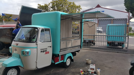 coffee shop mobile tuk tuk fully fitted south rand. Black Bedroom Furniture Sets. Home Design Ideas