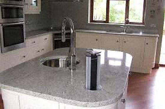 Granite tops caesarstone pretoria east household for Kitchen installers gauteng