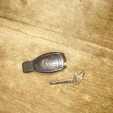 Mercedes benz key r1200 strand mercedes benz for Key for mercedes benz cost