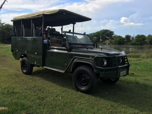 land rover game viewer pretoria east 4x4 vehicles 65047334 junk mail classifieds. Black Bedroom Furniture Sets. Home Design Ideas