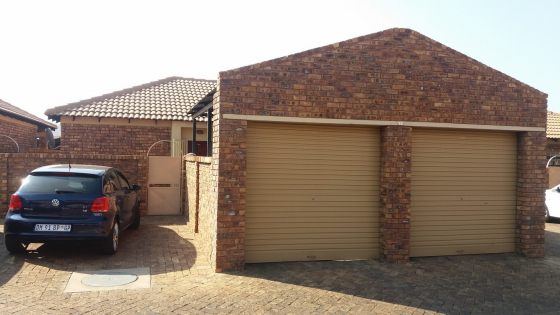 Neat 3 bedroom townhouse for rent andeon pretoria west for 3 bedroom townhouse for rent