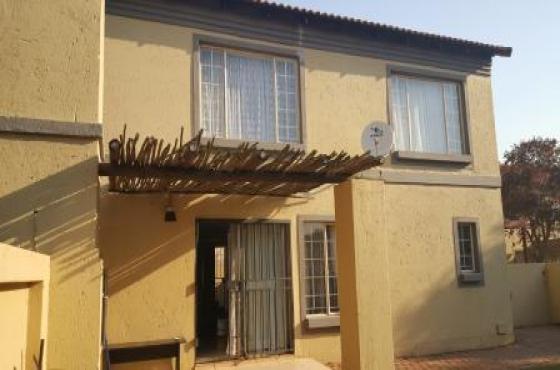 Duplex 3 Bedroom Townhouse To Let Annlin Pretoria