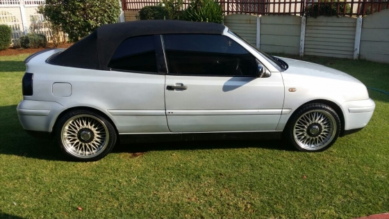 2000 vw golf 4 cabriolet 2l convertible manu sandton volkswagen 61785078 junk mail. Black Bedroom Furniture Sets. Home Design Ideas