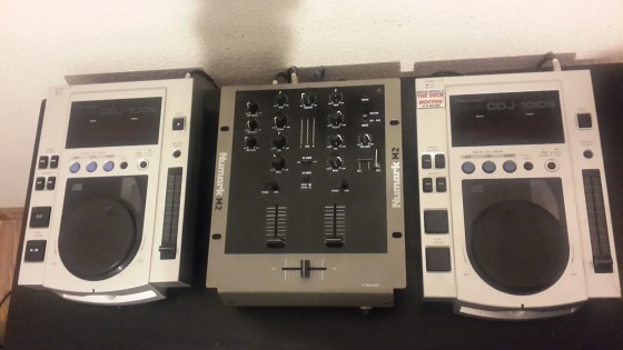 2 x pioneer cdj 100s numark m2 mixer for sale centurion cd players and turntables. Black Bedroom Furniture Sets. Home Design Ideas