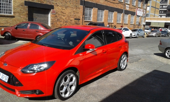 2014 25 ford focus st red colour central ford 63233688 junk mail classifieds