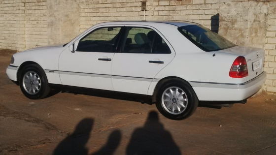 1996 202 mercedes benz c220 white pretoria north for 1996 mercedes benz c220
