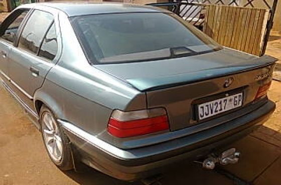 bmw e36 328i 1998 model for sale soshanguve bmw 63391134 junk mail classifieds. Black Bedroom Furniture Sets. Home Design Ideas