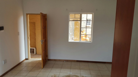 Neat small bachelors apartment for rent gezina moot for Zetapark small room for rent