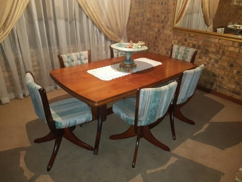 Solid imbuya dining room set pretoria north diningroom for Dining room tables johannesburg