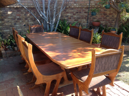 8 seater dining room table and chairs pretoria east for Dining room tables johannesburg