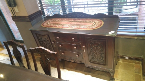 Antique Ball amp Claw 6 Seater Dining Room Suit With  : b002a7c91efb8f58d29bdb0c0839f5821928968186802717b3c2aac81157552732de79a41e from www.junkmail.co.za size 560 x 315 jpeg 144kB