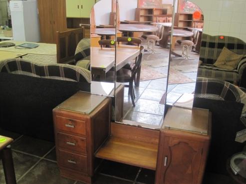 Dressing table centurion bedroom furniture 64134744 for Bedroom furniture johannesburg