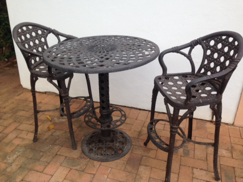 Cast aluminium cocktail table and chairs non rust kloof for Cocktail tables for sale in kzn
