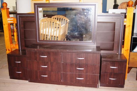 2 piece bedroom suite s020759a rosettenvillepawnshop for Bedroom furniture johannesburg
