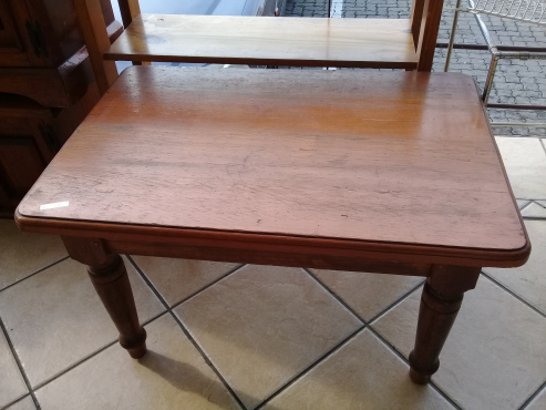 Solid wood coffee table for sale east rand lounge for Coffee tables jhb