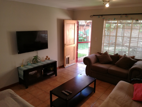 2 Bedroom Ground Floor Townhouse With Private Garden To Rent Centurion Townhouses To Rent