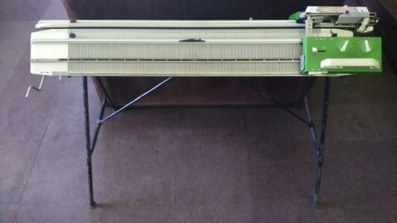 Knitting Machine Stand : Passap duomatic knitting machine double bed with stand