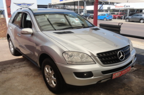 2007 mercedes benz ml 350 auto moot mercedes benz for Mercedes benz ml 350 2007