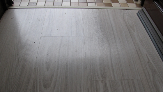 Laminate flooring kloof other building and diy for Laminate flooring johannesburg